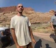 Captura de una cámara corporal de un oficial de la Policía de Utah cuando detuvo  a Brian Laundrie (izq.) y a Gabby Petito luego de reportarse un incidente de violencia de género.
