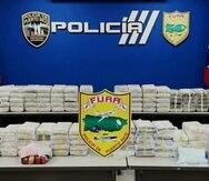 En total, agentes de FURA incautaron 172 bloques de cocaína en la playa Las Palmas en Manatí.