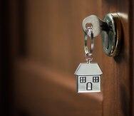 Las tasas de interés fluctúan entre 2.5% y 3% para hipotecas garantizadas por la Administración Federal de Vivienda (FHA, en inglés), la Administración de Veteranos (VA, en inglés) y la oficina federal de Desarrollo Rural.