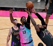 El Heat supera a unos diezmados Lakers en revancha de las pasadas Finales de la NBA