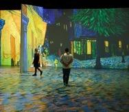 """En la exposición """"Beyond Van Gogh: The Immersive Experience"""", las obras de arte clásicas se proyectan en formas 3D."""