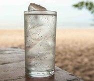 Además de ayudar en nuestra hidratación y ser segura y refrescante, el agua mineral aporta otros numerosos beneficios a nuestra salud.
