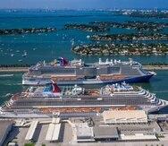 Aunque Carnival Cruises no requiere uso de mascarillas a bordo para pasajeros vacunados, sí hay que usarlas durante el embarque y desembarque, así como en transporte de excursiones realizadas por la empresa.