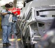 Fiat Chrsyler, General Motors, Ford y Mercedes-Benz encabezan la lista de las automotrices que quieren reiniciar su manufactura de automóviles.
