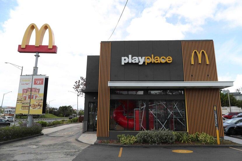 Por lo pronto, los restaurantes están operando solo para órdenes por servi-carro. Una vez abran, el área de juegos permanecerá cerrada temporeramente.