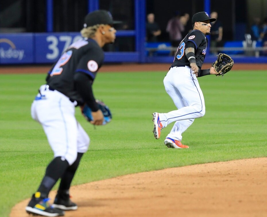 Lindor y Báez defienden el campo corto y segunda base, respectivamente, de los Mets.