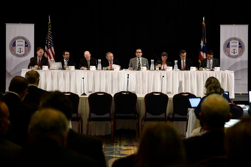 Los siete miembros de la Junta de Supervisión Fiscal.