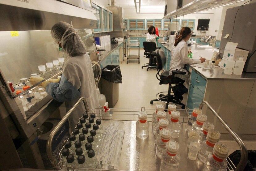 Diversos expertos opinan que la fuerza laboral y la producción local podía poner a Puerto Rico a competir de tú a tú con grandes farmacéuticas a nivel global. (GFR Media)