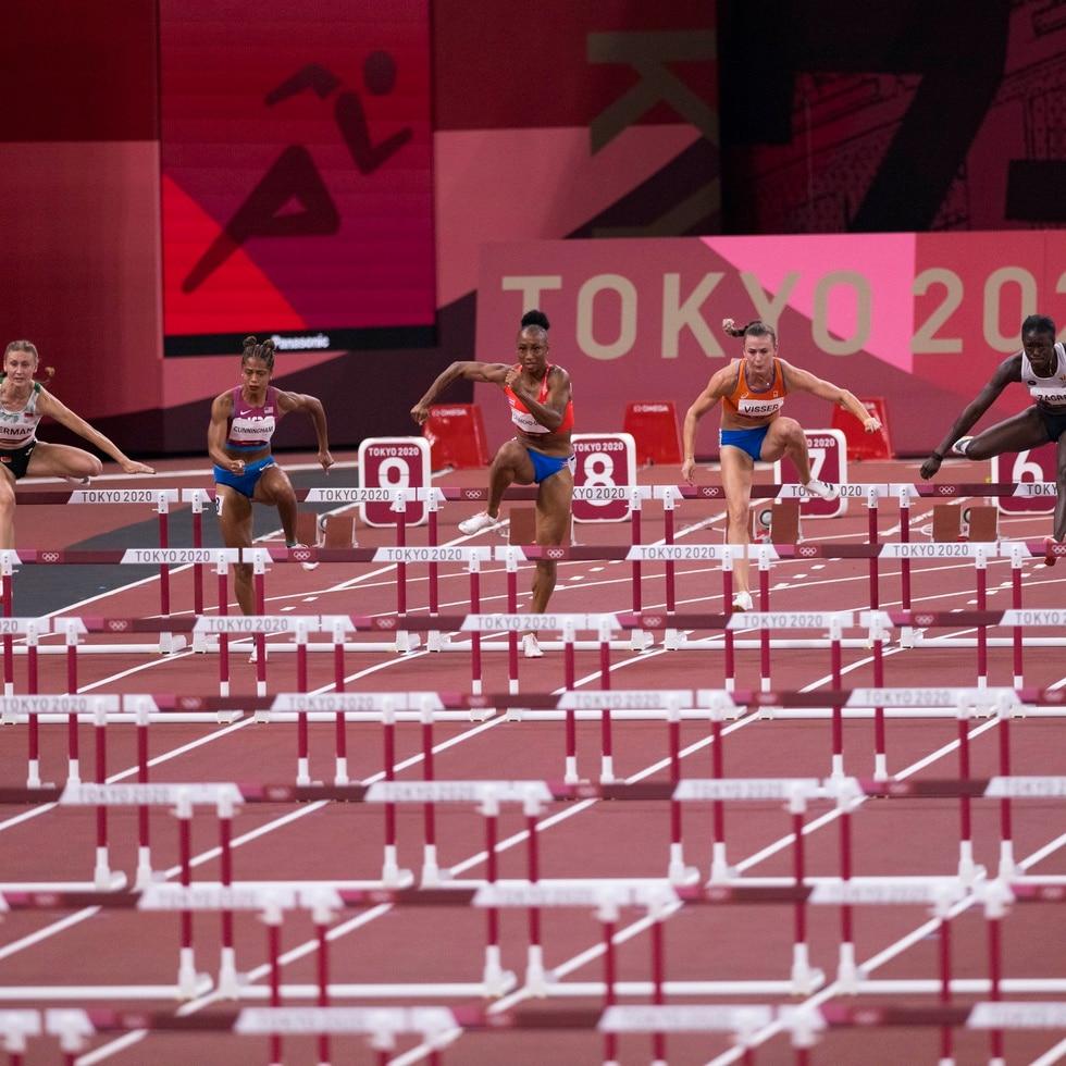 Jasmine Camacho-Quinn correrá por el carril número cinco.