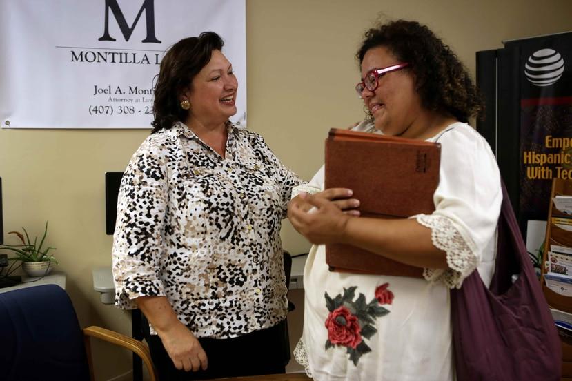 El Latino Leadership se encarga, en estos dias, de proveer ayuda a los puertorriqueños que llegan a Orlando de la isla luego del paso del huracán María.
