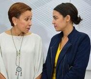 Las congresistas Nydia Velázquez y Alexandria Ocasio Cortez forman parte del grupo que hizo el reclamo.
