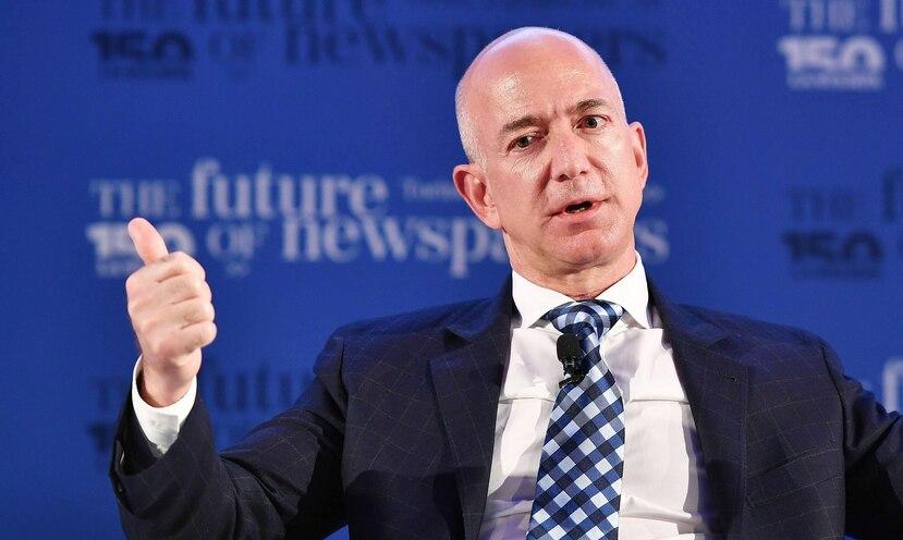 De acuerdo con Forbes, la fortuna del fundador de Amazon es de unos $90,600 millones. (EFE / Alessandro Di Marco)