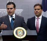 El gobernador Ricardo Rosselló, izquierda, junto a su exrepresentante ante la Junta, Elías Sánchez.
