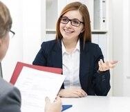 Se aconseja tener dos versiones del resumé: una para solicitar empleo por internet y otra para entregarla a la mano el día de la entrevista de trabajo.