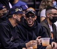 El cantante Bad Bunny estuvo presente en el juego entre los Cangrejeros de Santurce y los Mets de Guaynabo del pasado viernes, 17 de septiembre.