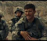 """La película """"The Outpost"""" , estrenada en 2020, muestra la historia de la vida real donde un grupo de soldados estadounidenses en un campamento en Afganistán se defienden de un ataque realizado por los talibanes."""