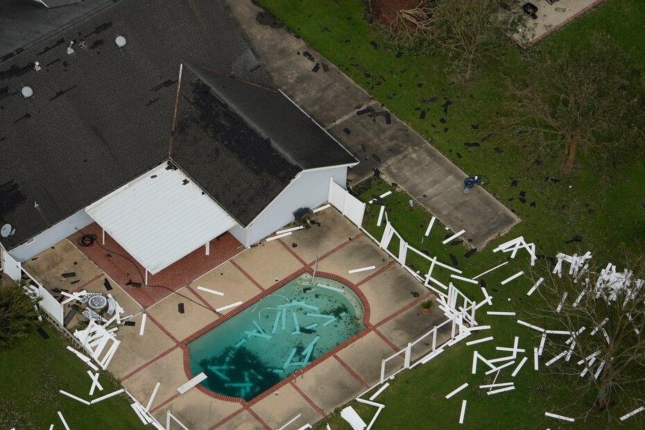 El ciclón habría causado al menos dos decesos en Nueva Orleans y Baton Rouge, en Luisiana.