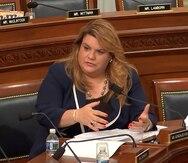 Jenniffer González rinde homenaje póstumo a Carlos Romero Barceló en el hemiciclo de la Cámara federal