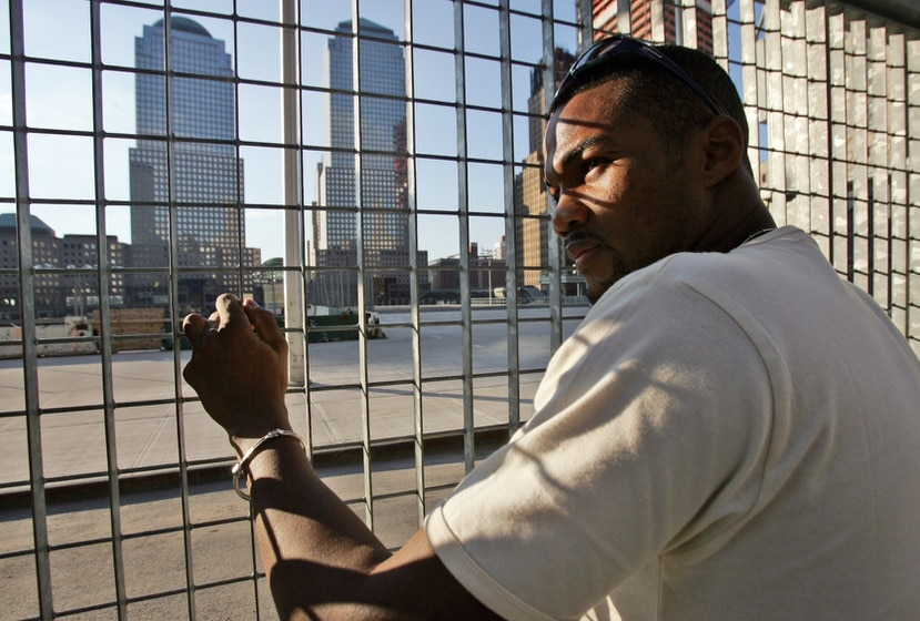 Tito Trinidad visita la zona de los atentados terroristas en Nueva York en el año 2004.