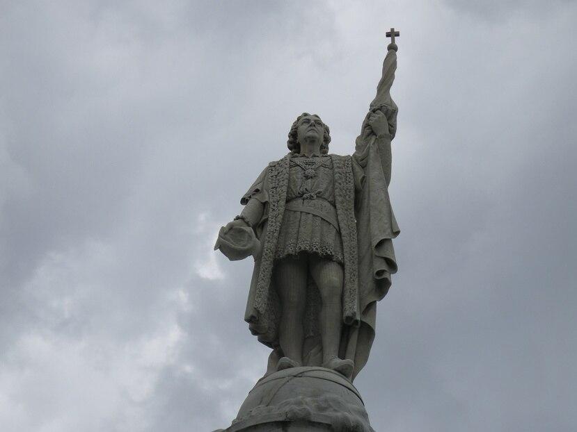 Monumento a Cristóbal Colón en el casco histórico del Viejo San Juan.