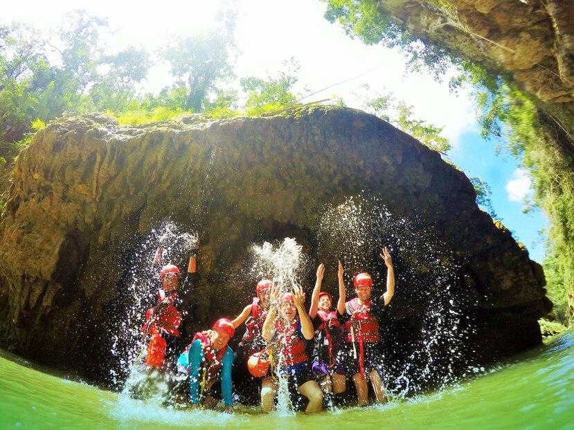 Con Explora puedes visitar una reserva natural privada en el río Tanamá.