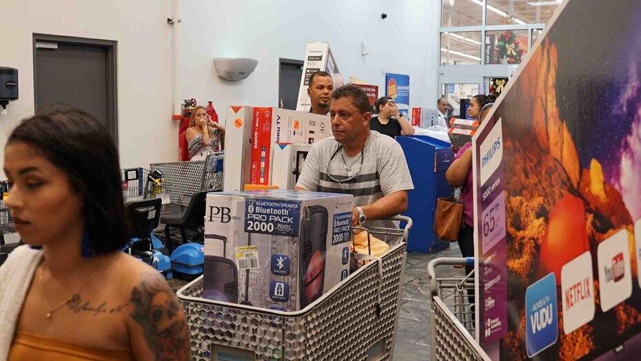 Entre los artículos electrónicos los televisores inteligentes (Smart TV) resultaron ser los más buscados en el Black Friday.