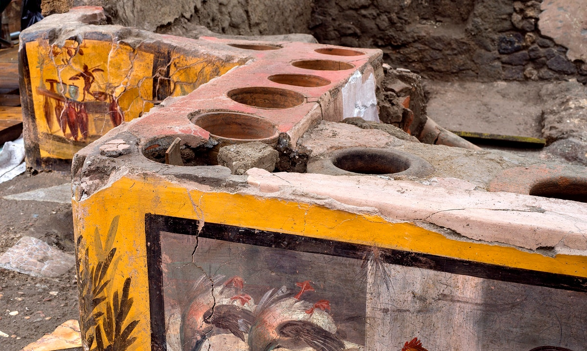 Discovery in Pompeii a thermopolis: a restaurant with leftovers