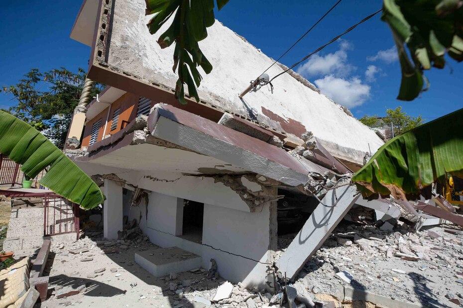 16 de enero - A petición de la gobernadora Wanda Vázquez, el presidente Donald Trump firma una declaración de desastre mayor para Ponce, Guánica, Guayanilla, Peñuelas, Yauco y Utuado.
