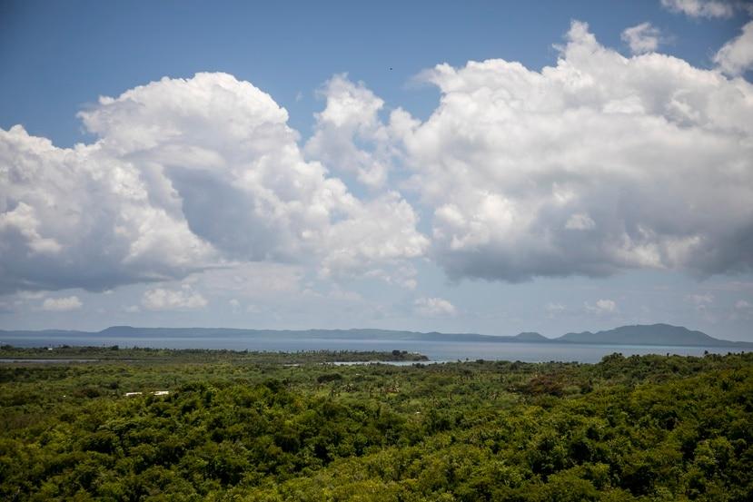 Aprodec nació meses antes del cierre oficial de la base militar Rooselvet Roads, en Ceiba, en el 2003, con el fin de  impulsar  proyectos de desarrollo comunitario en esos terrenos.