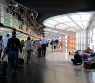 Un hombre pasa tres meses escondido en un aeropuerto por miedo al COVID-19