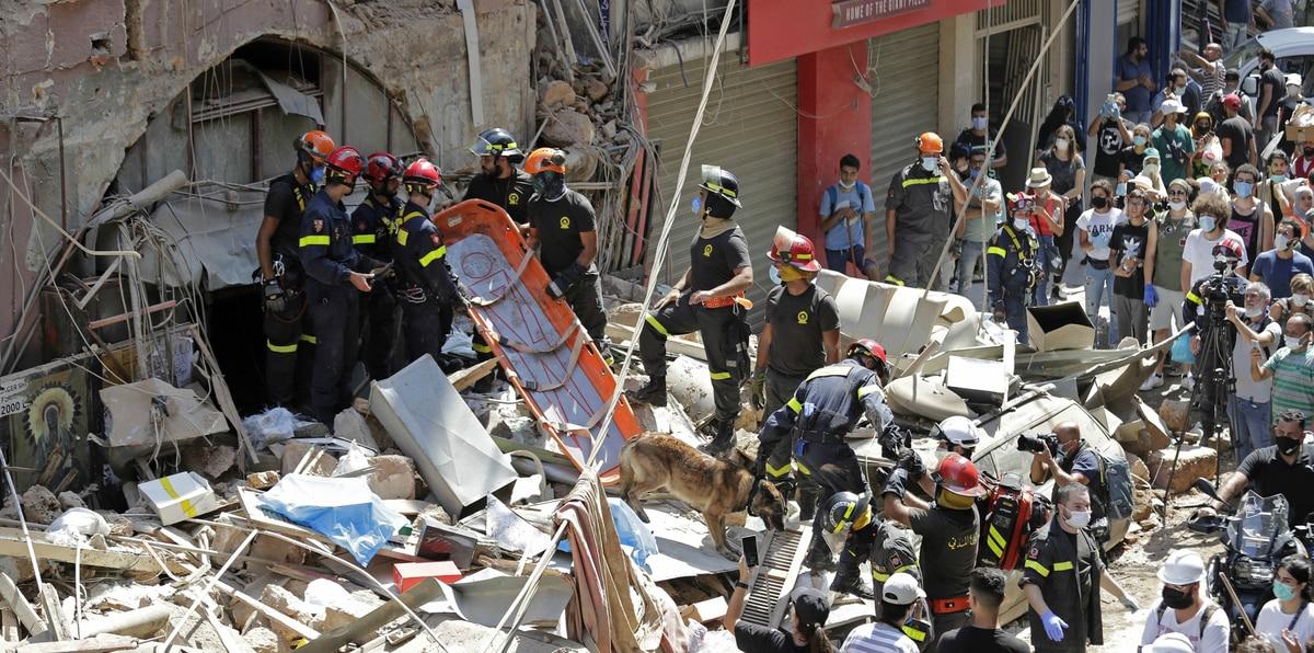 Beirut: conmovedora lucha de voluntarios tras la explosión