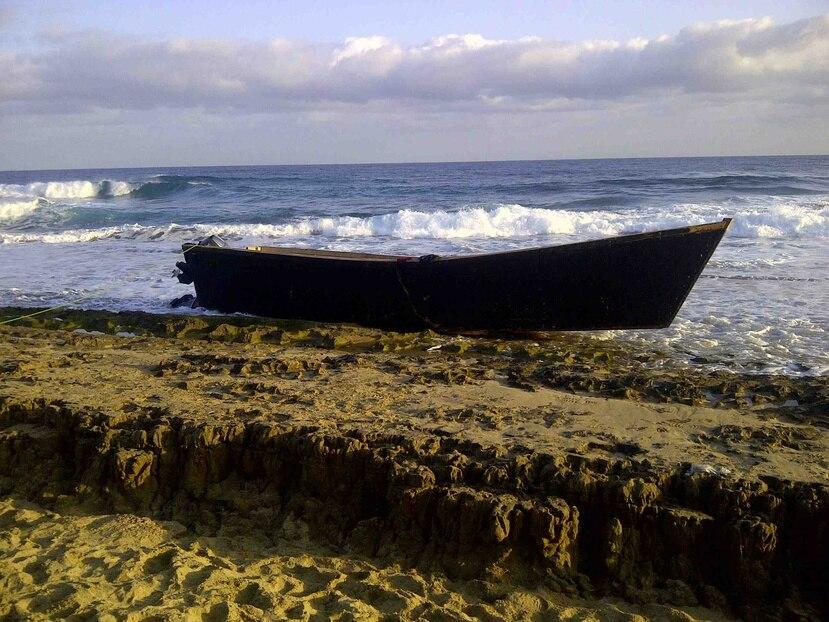 Una yola en una playa del oeste de la isla. (GFR Media)