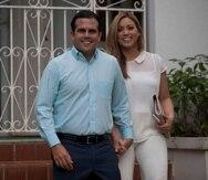 Ricardo Rosselló junto a su esposa, Beatriz Rosselló.
