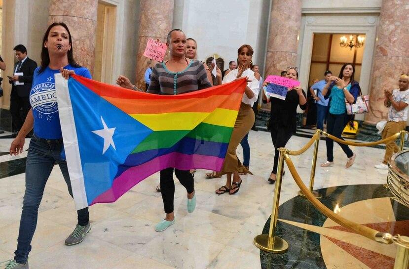 Argumentaron que la nueva orden violenta la Ley 22-2013, que estableció la política pública en contra del discrimen por orientación sexual o identidad de género en el empleo.
