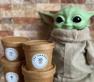 """El empaque y las cucharas de los helados son biodegradables. Uno de sus sabores está inspirado en el famoso """"Baby Yoda""""."""