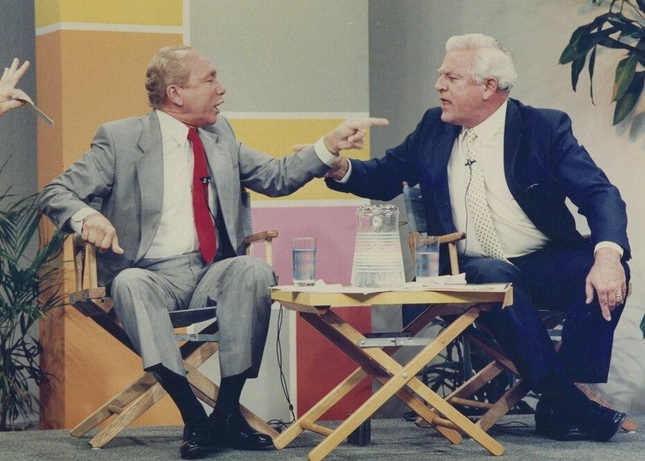 Carlos Romero Barceló y Miguel Hernández Agosto durante su famoso enfrentamiento televisivo.