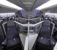 Las aeronaves Boeing 787-8 y 777-2 ofrecen asientos totalmente reclinables y con acceso directo al pasillo en la Clase Ejecutiva.