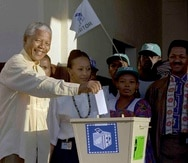 En total, Nelson Mandela completó 22 bocetos de imágenes que tuvieron un significado para él, tanto simbólico como emocional, durante su encarcelamiento en Robben Island. (AP / John Parkin)