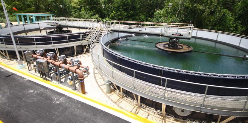 As a result of the hurricane, dozens of water and wastewater treatment plants remained inactive. (Archivo GFR Media))