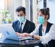 La pandemia aceleró la adopción de tecnologías que a corto y mediano plazo convertirán en redundantes millones de plazas, debido a la automatización.