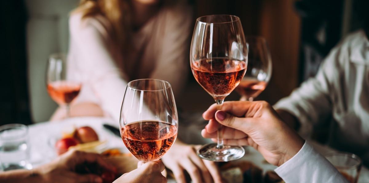 La versatilidad de estos vinos es tan amplia que sirven para hacer embocadura, acompañar unos aperitivos, pescados y hasta un plato de carne ligero.
