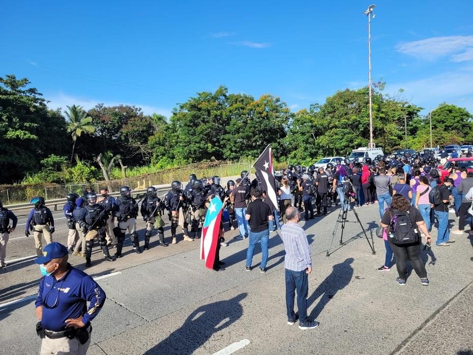 Luego de bloquear todo el paso, llegaron a un acuerdo con la Policía para abrir dos carriles.