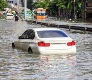 Es importante verificar las cubiertas que tiene tu póliza: estructuras, contenido, responsabilidad por daños a terceros, inundación y daños por agua, y automóvil.