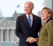 El, entonces, vicepresidente de Estados Unidos, Joe Biden, y la canciller alemana, Angela Merkel, durante un encuentro en Berlín en 2013.