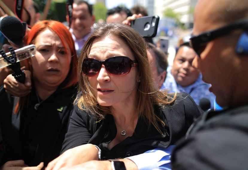 La exsecretaria de Educación Julia Keleher a su llegada al Tribunal Federal en Hato Rey.