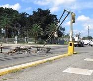 El huracán María, en 2017, destrozó postes del tendido eléctrico y semáforos. La sustitución o reparación de estos últimos no ha concluido y otros no están sincronizados, advirtió el Colegio de Ingenieros y Agrimensores.