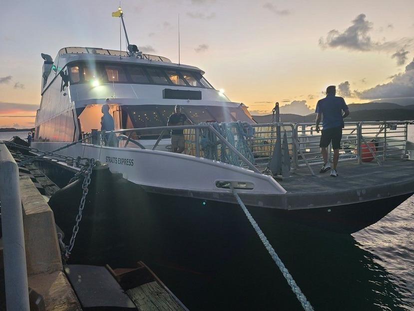 Uno de los ferry adquiridos para dar transporte marítimo a las islas municipio.