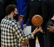 Klay Thompson, estelar tirador de los Warriors de Golden State, se lastimó el talón de Aquiles derecho luego de una operación para repararle el ligamento anterior cruzado de una rodilla. Espera regresar para la próxima temporada.