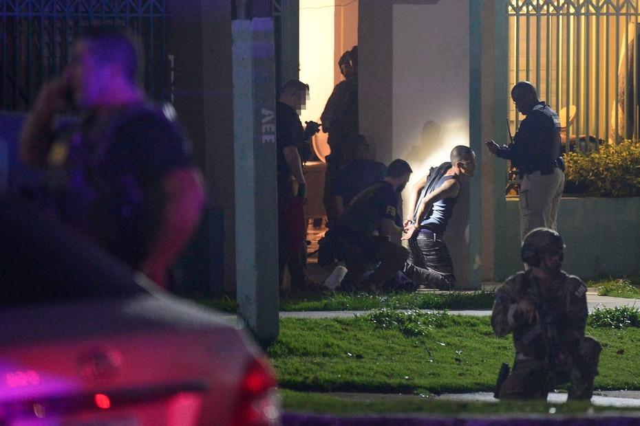El Negociado Federal de Investigaciones (FBI) ejecutó la madrugada del martes, 12 de febrero de 2018, un operativo en los residenciales Dr. Pedro J. Palau y Jardines de Oriente, en Humacao.