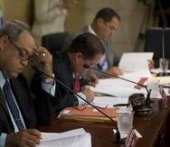 El huracán María golpeó con fuerza la isla en septiembre pasado dejando 62 muertos. En la foto el senador Ángel Martínez Santiago. (Archivo / GFR Media)